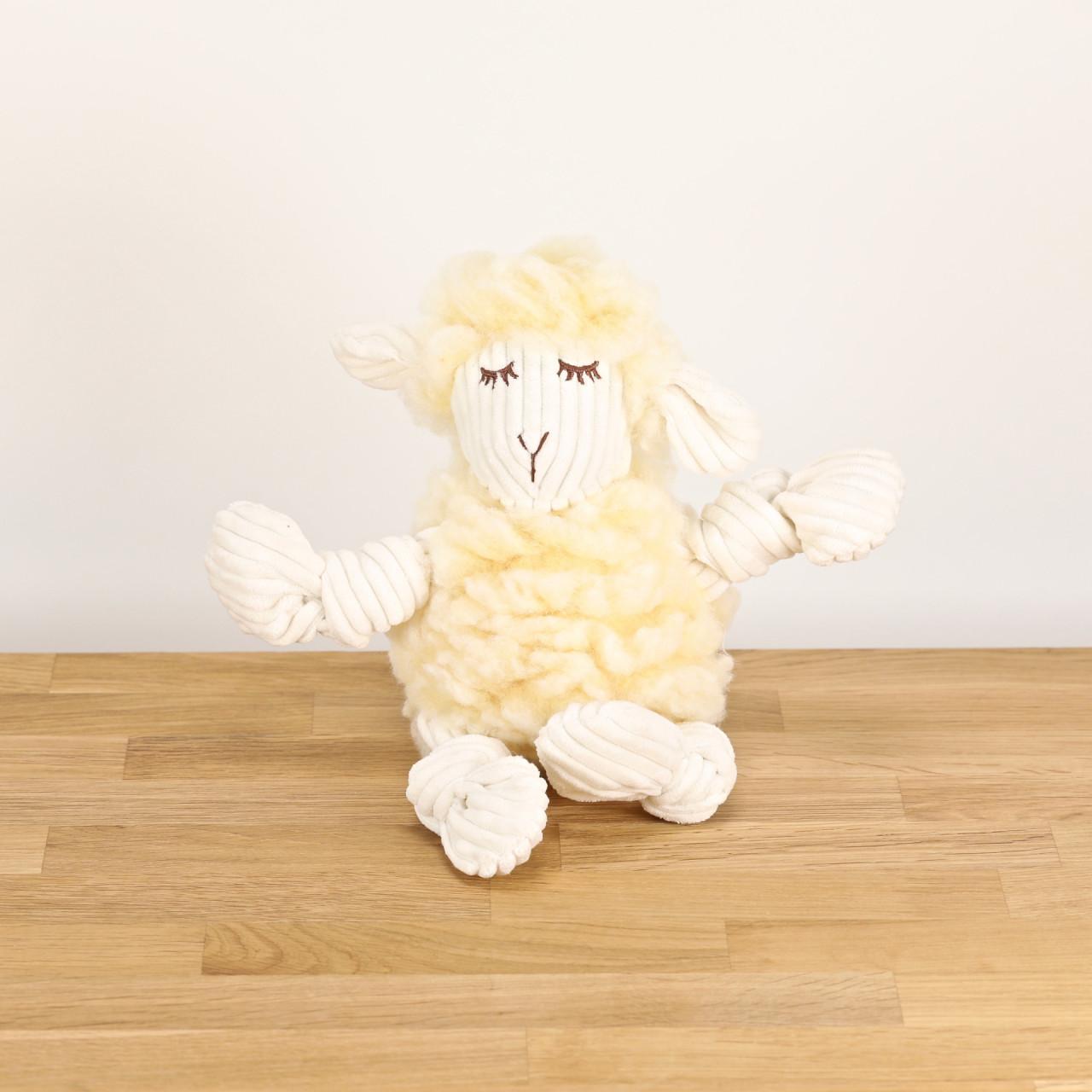 Hundespielzeug Louise, das Lamm